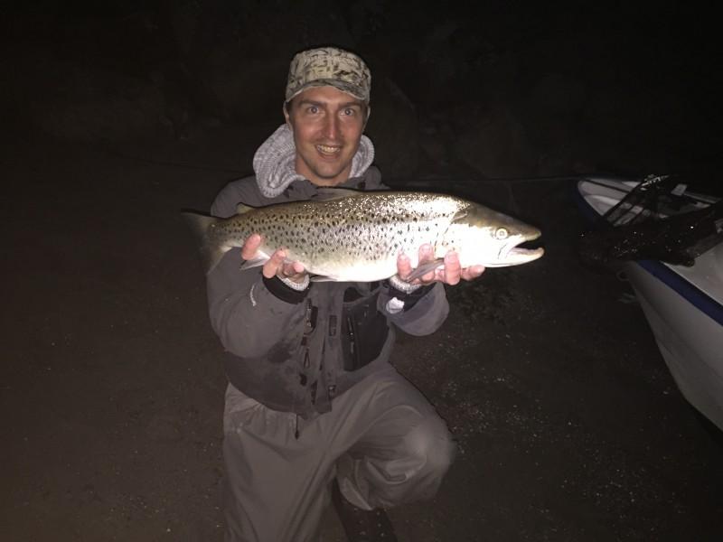 Nattfiske efter havsöring (2,7kg)
